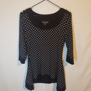 Frank Lyman polka dot sharable hem top